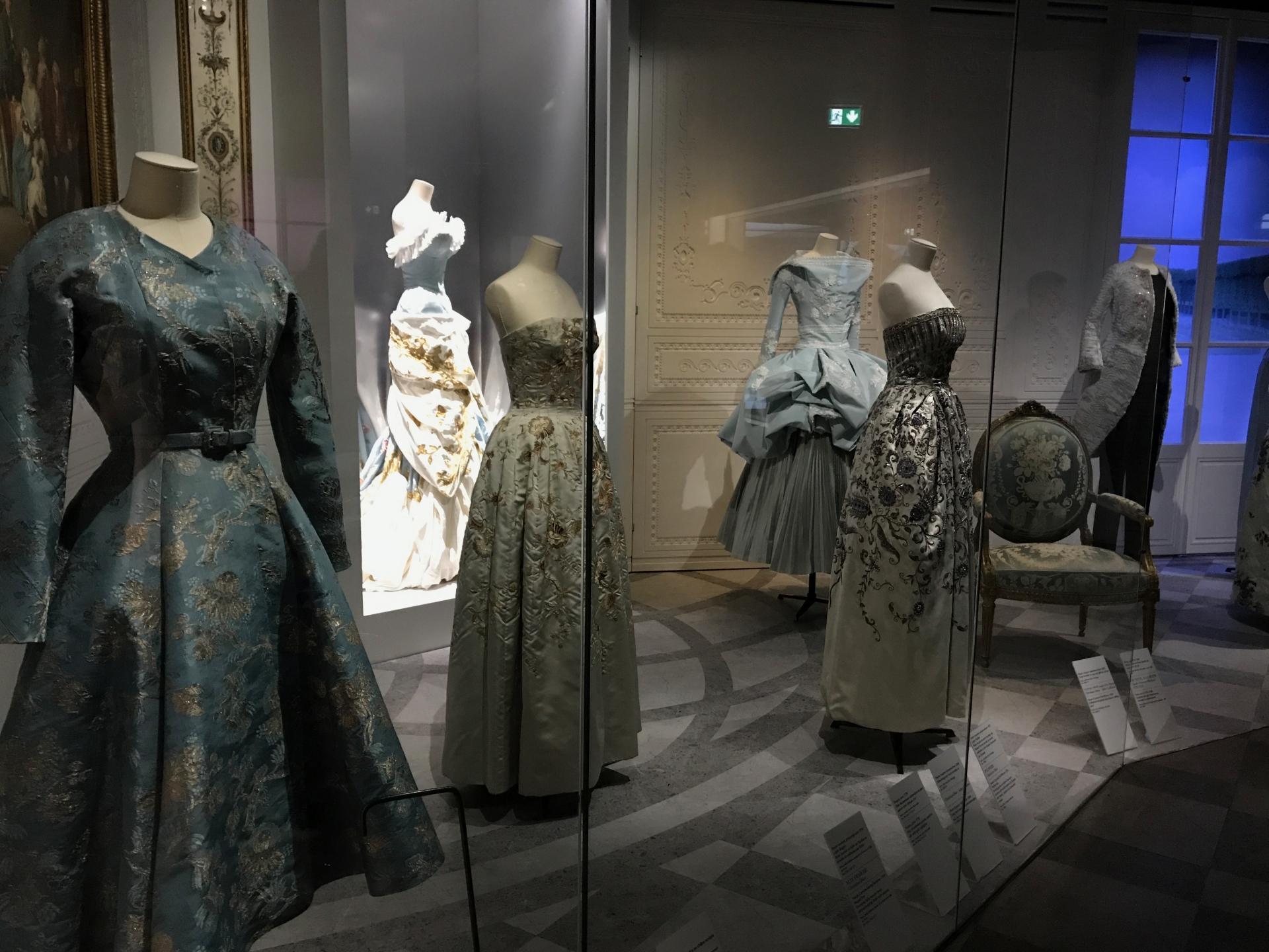 Dior Exhibit Musee des arts décoratifs